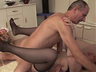 Gruppe Sex mit Oma