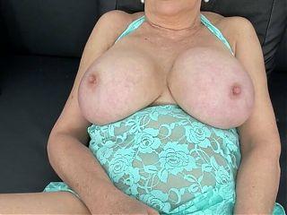 Solo – Gill Ellis Young aka Lady Sonia – vibrator masturbation