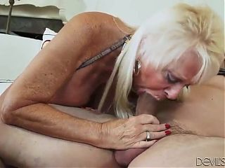 GILF Mandi is hungry for cock