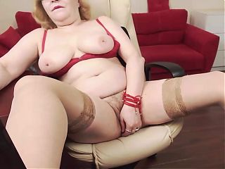 Hairy Mature Fingers Pussy In Nylons