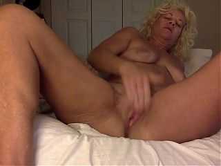 Meghan Cucumber Play