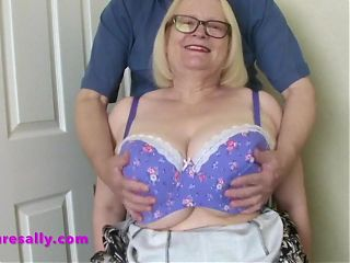 Website member gets Sallys tits out