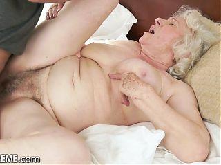 Elderly BBW Wants The Repairman To Pipe Her